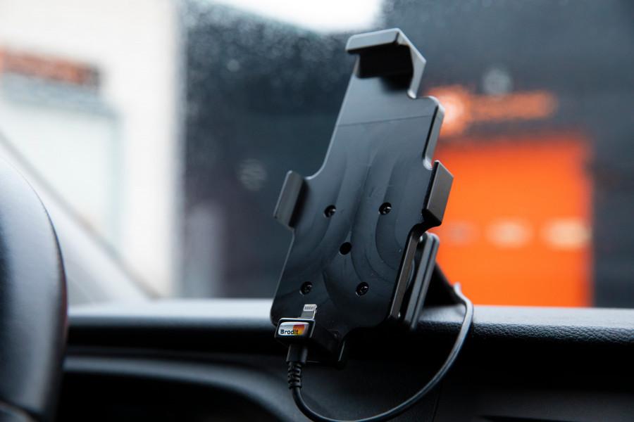 Produkte für die Fahrerumgebung, die Ihr Fahrzeug in ein vollwertiges mobiles Büro verwandeln