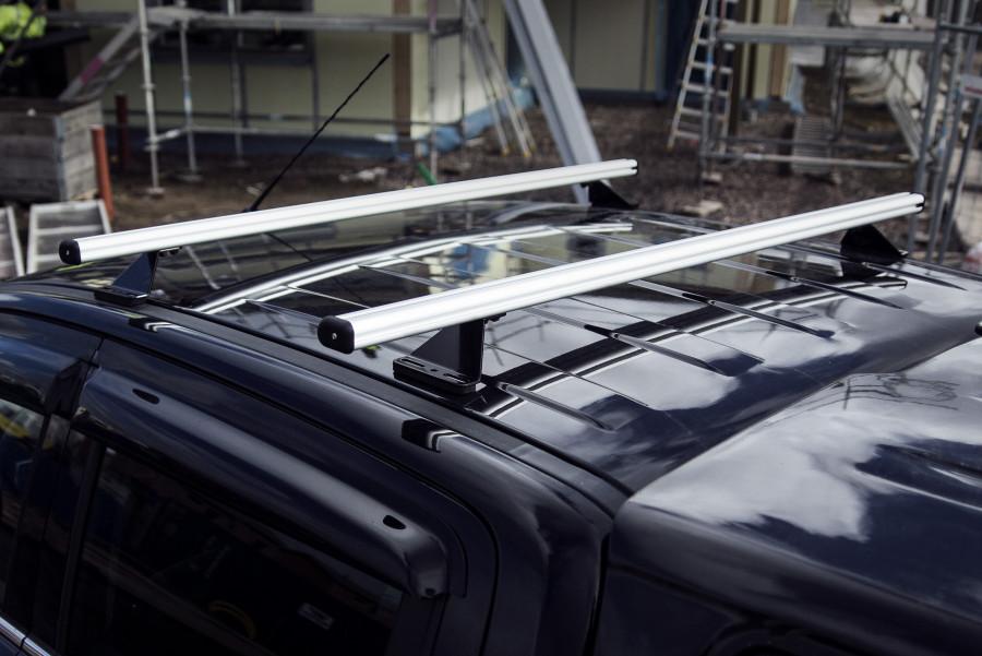 Dachträger in schwedischem Design und Dachleisten von höchster Qualität